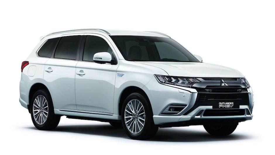 Mitsubishi Outlander PHEV at the 2018 Geneva Motor Show