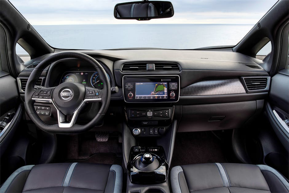 2018 Nissan Leaf interior with Apple CarPlay and Android Auto
