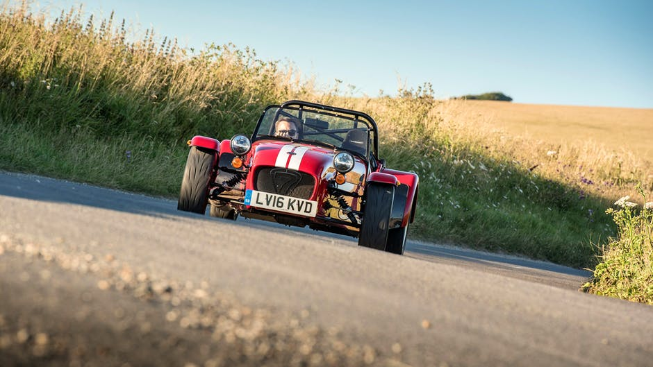 Caterham 310R vs 310S cornering