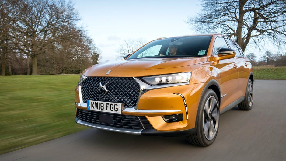 DS 7 Crossback Prestige from the front