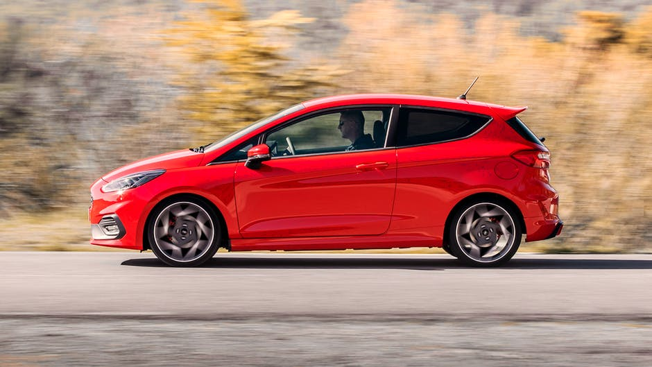 Ford Fiesta ST review (2018): Side view