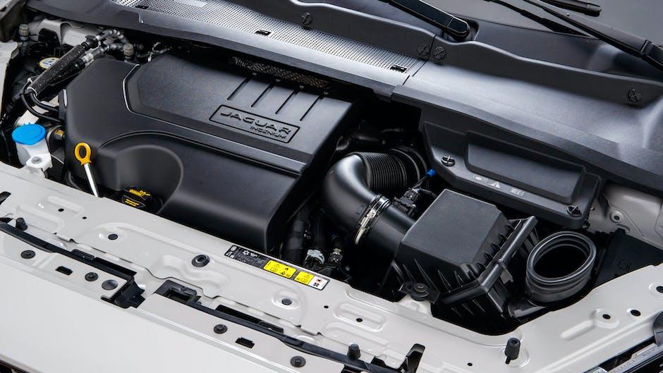 Jaguar E-Pace P300 R-Dynamic engine bay