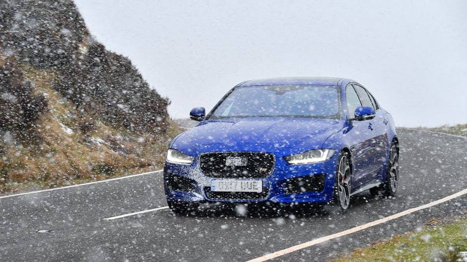 MY18 Jaguar XE S tackles the snow