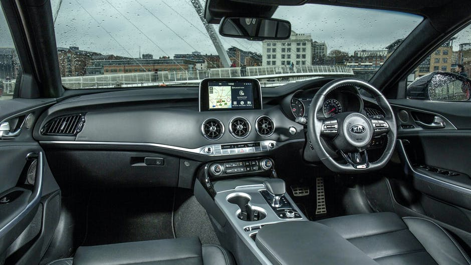 Kia Stinger T-GDi interior and infotainment
